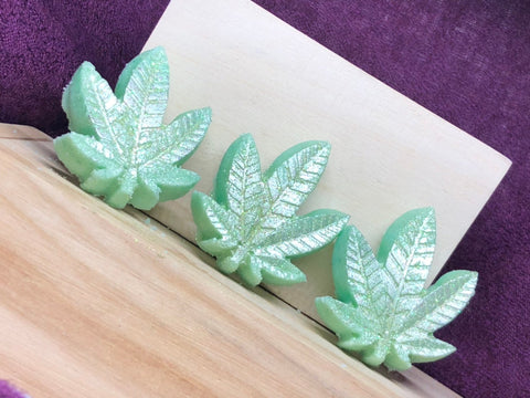 Handmade, Luxurious, Green Glitter, Hemp, Weed Leaf Shaped, Bath Bombs - Pack of 8