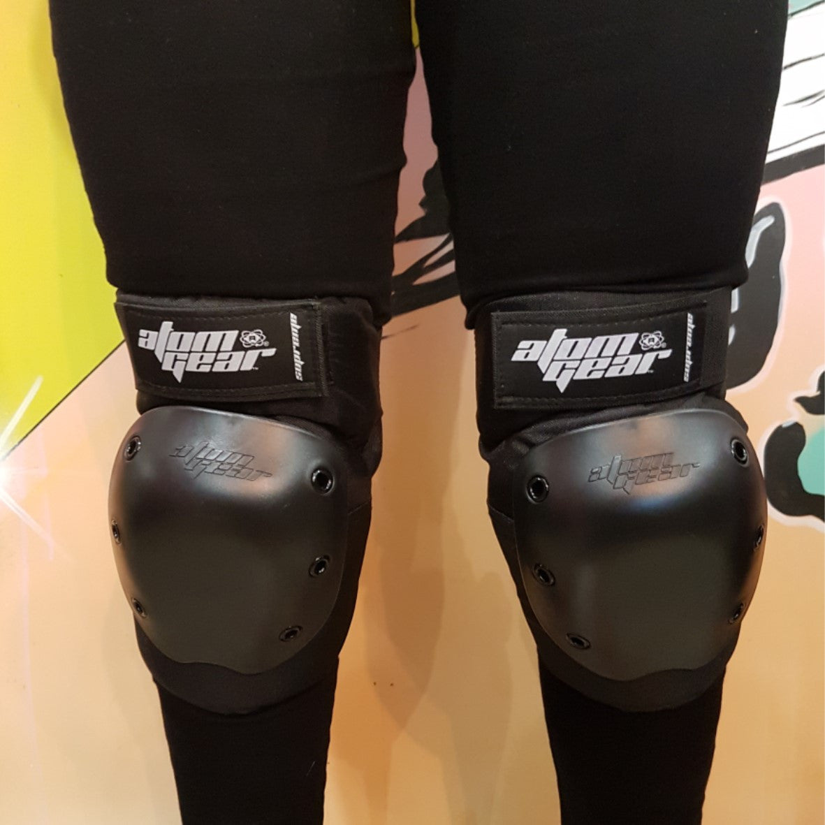 Atom Gear Supreme Knee Guards