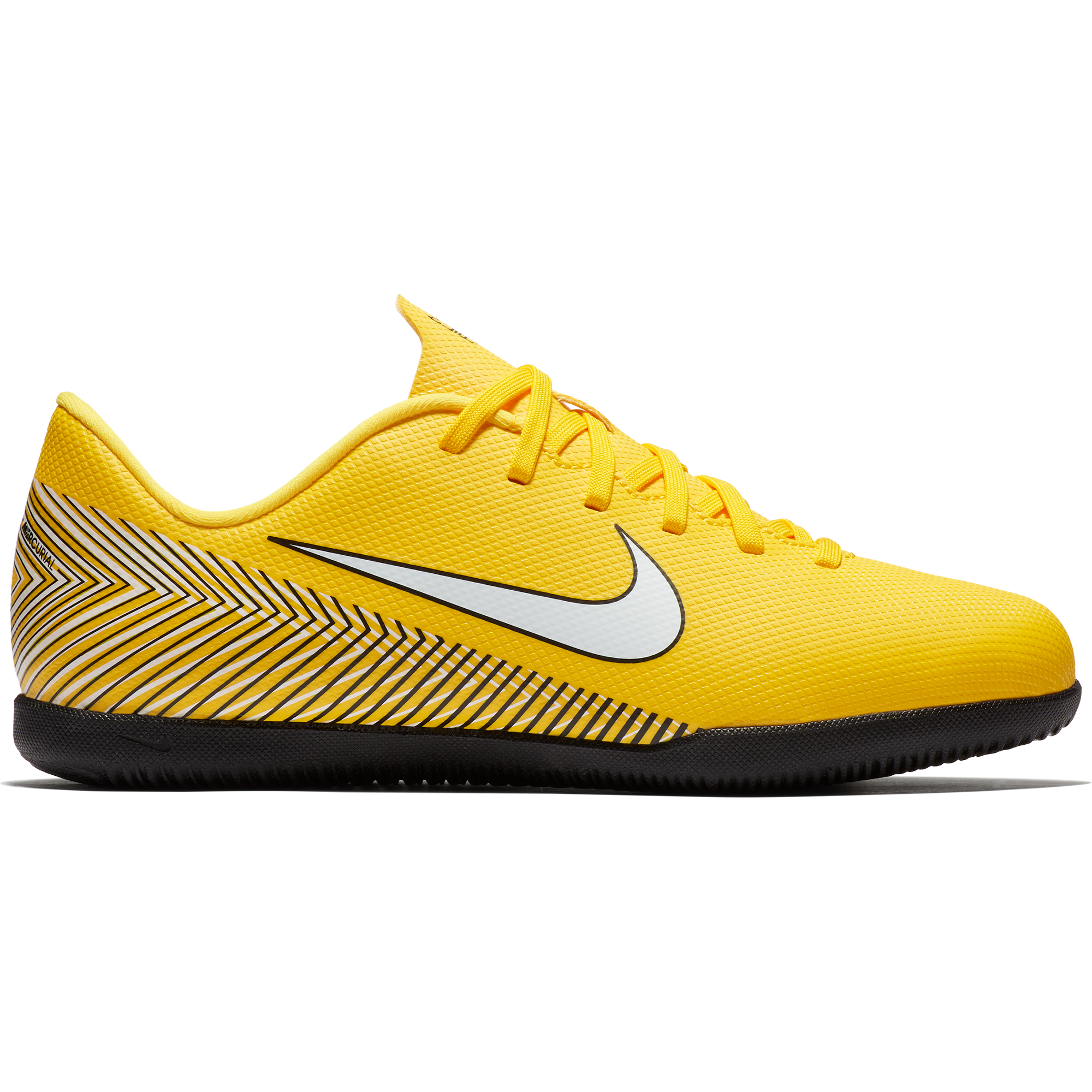 fe5f04315001 Nike Vapor 12 Club Indoor football   futsal boots - Youth – Juggles ...