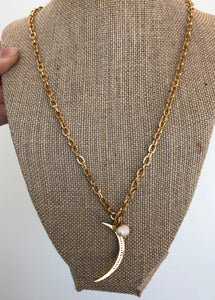 Chain Crest Necklace