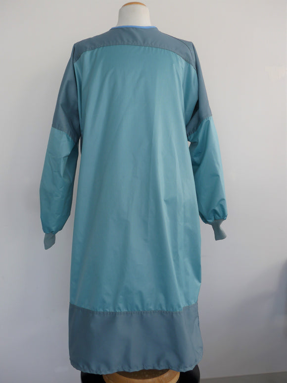 Surgical gown with microfiber chest and arms front view