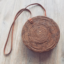 Load image into Gallery viewer, Round Rattan Bag Natural