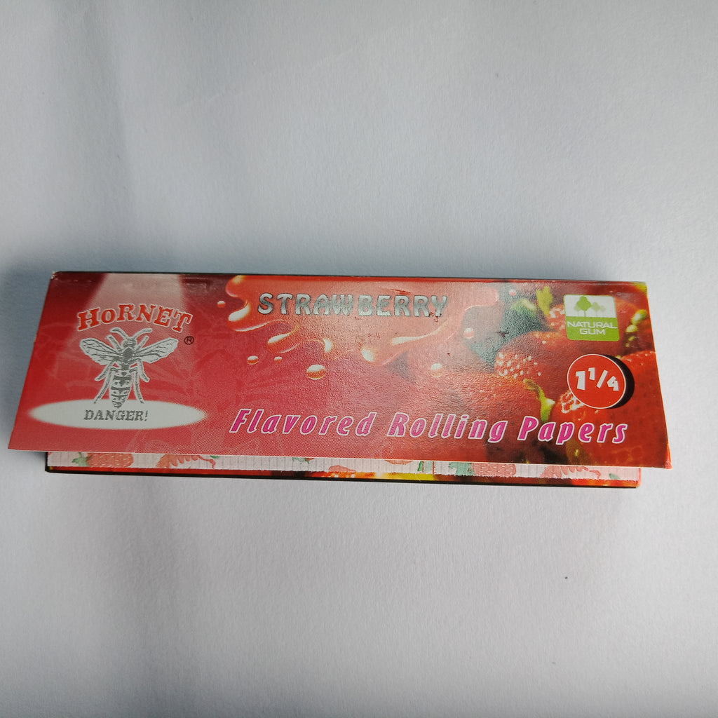 Hornet Strawberry Flavoured Rolling Papers 11/4 - Fancy Puffs Smoke Shop
