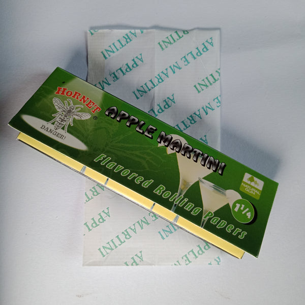 Hornet Apple Martini Flavoured Rolling Papers 11/4 - Fancy Puffs Smoke Shop