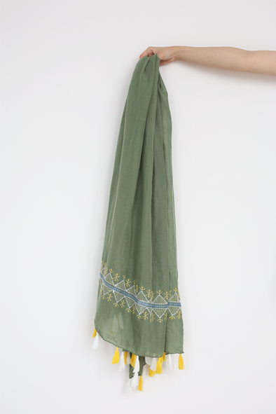 Embroidery Green Scarf With Tassel