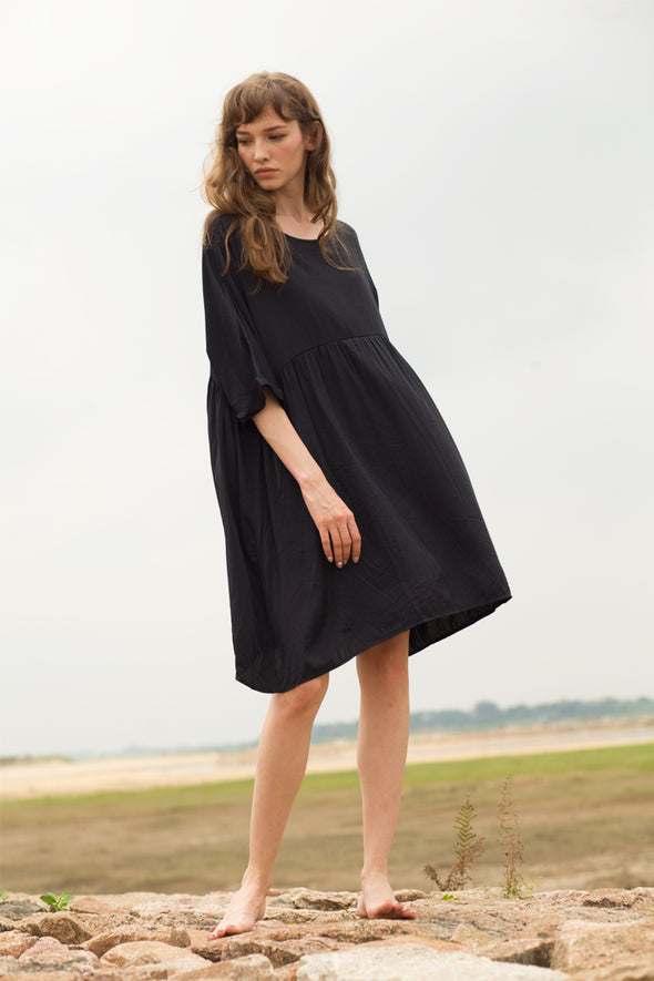 Ruffle Midi Maternity Dress In Black