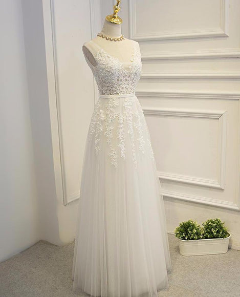 <EG049>Classic Lace and Tulle White Gown - Gowns.sg