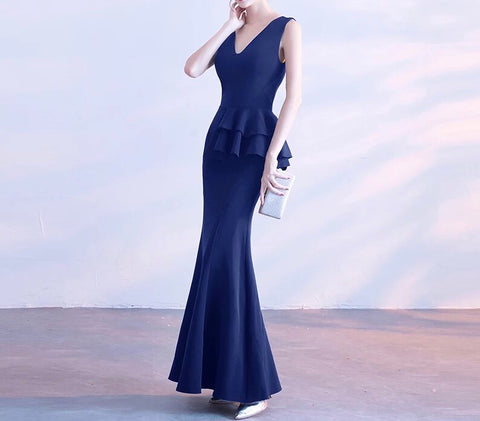 London Fitted Gown (XS-XXL) - Gowns.sg