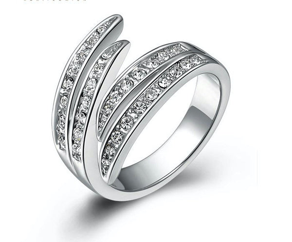 Platinum Plated Evelyn Ring with Simulated Diamond