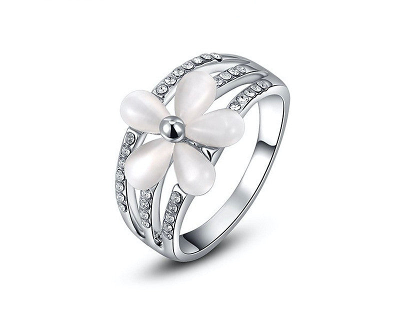 Platinum Plated Juniper Ring with Simulated Diamond