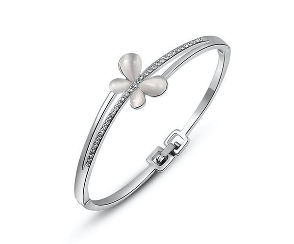Platinum Plated Naomi Bracelet with Simulated Diamond