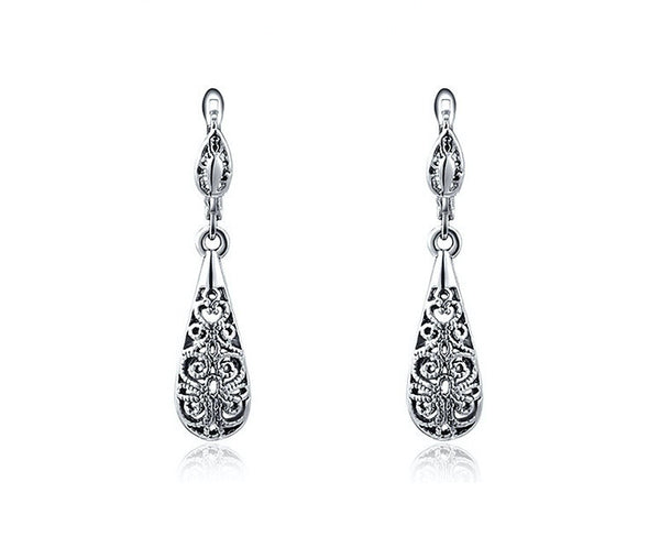 Platinum Plated Scarlett Earrings with Simulated Diamond