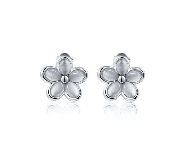 Platinum Plated Tiffany Earrings with Simulated Diamond