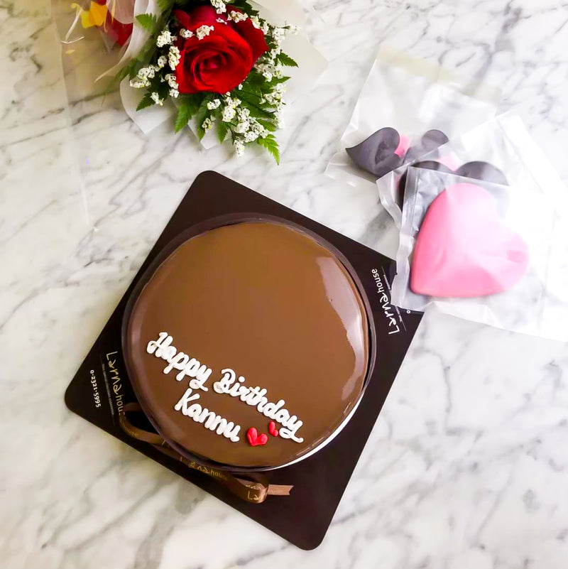 Love Shape Chocolate Larna cake (Big size)