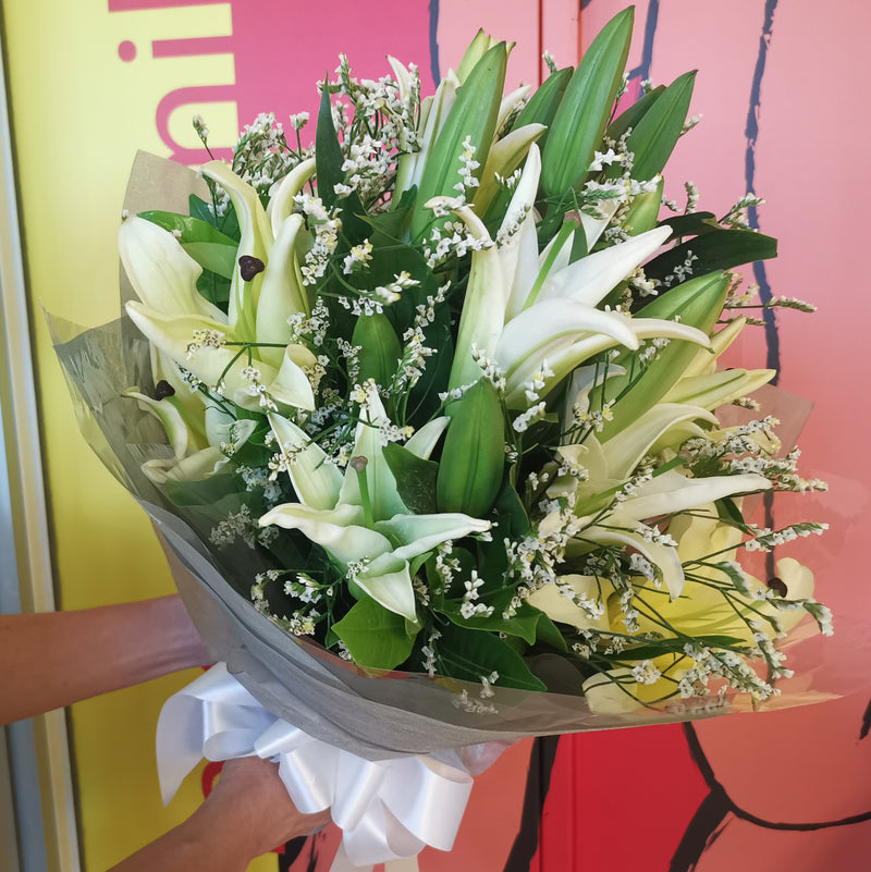 Lily flower bouquet #7