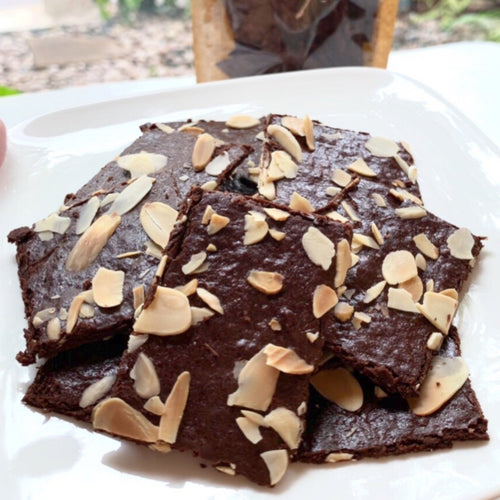 Crispy Brownie with Almond topping