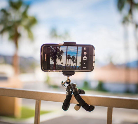 EASYPRO™ Smartphone Tripod + FREE Bluetooth Remote Control