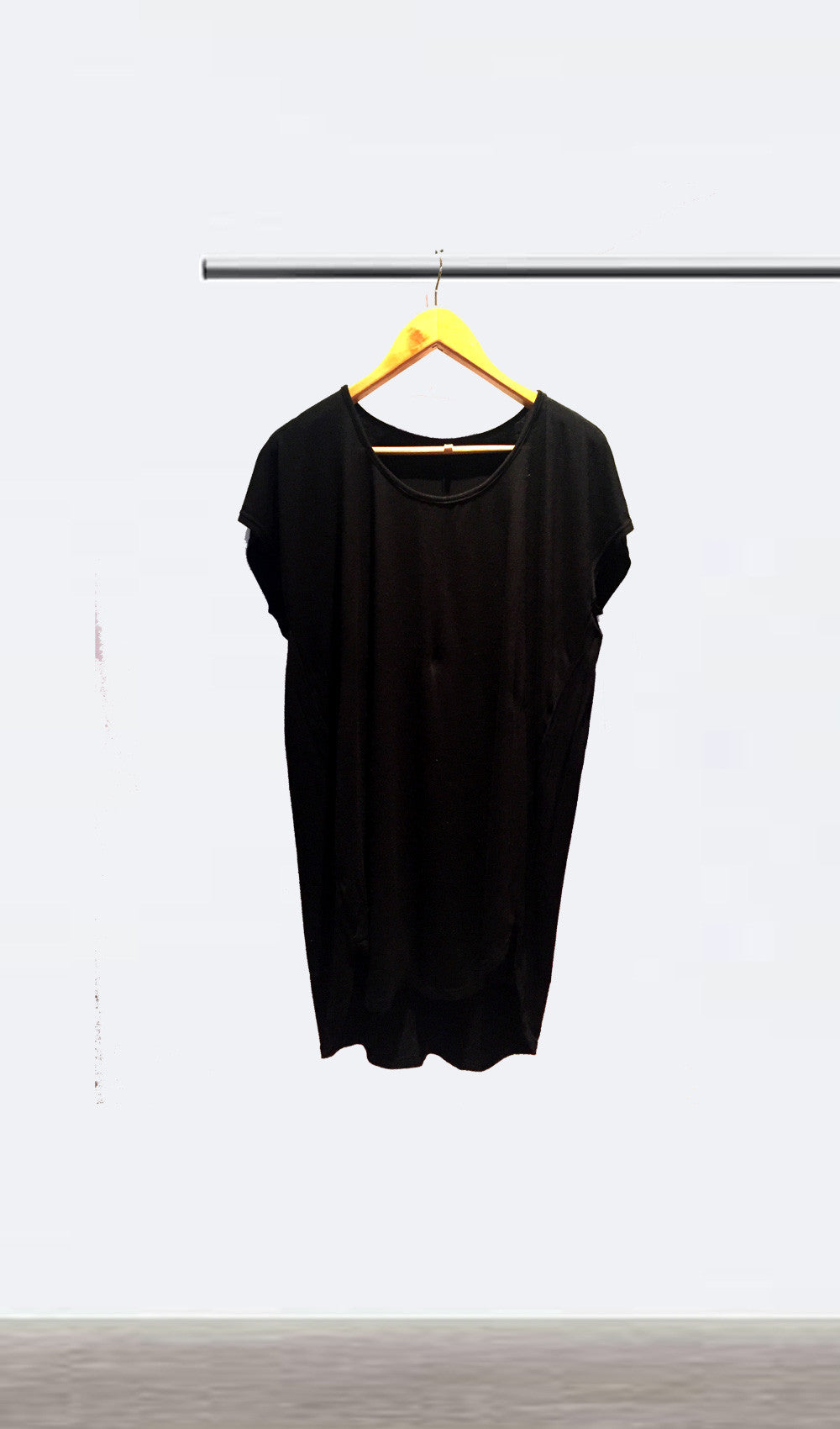 b6844c51f28c The Black Oversized Tee Dress – Ellipsis