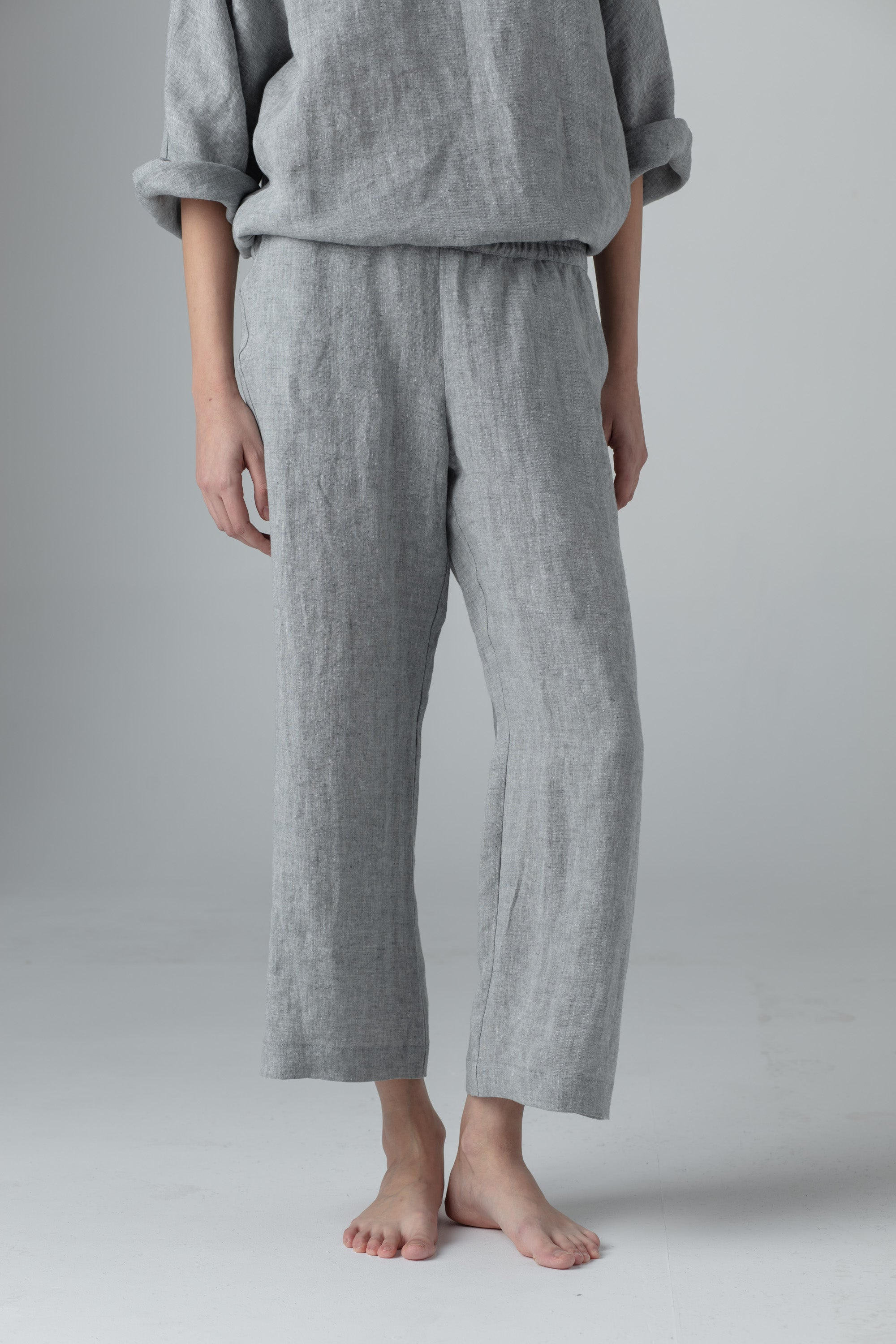 STRAIGHT PANTS mid. gray