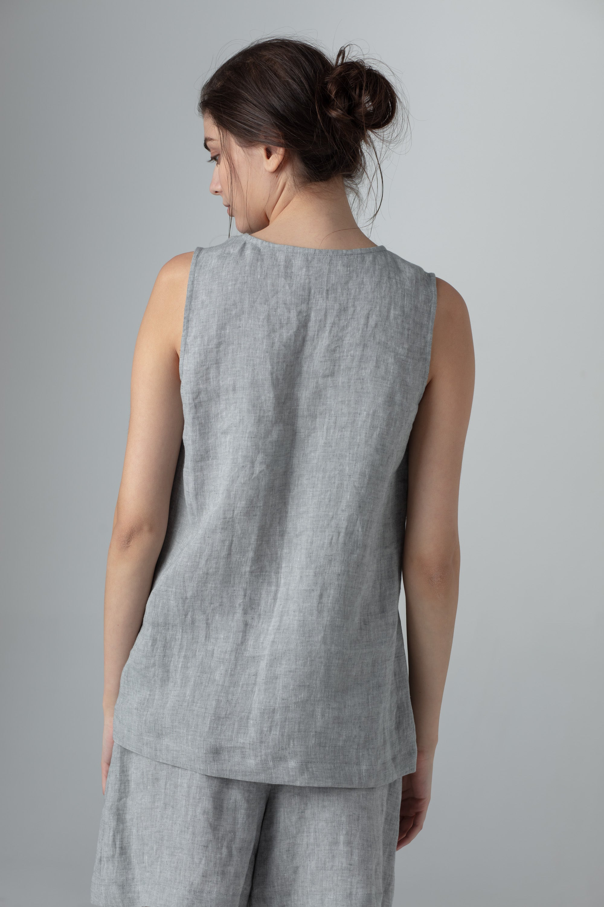 V-neck TANK TOP MID. GREY