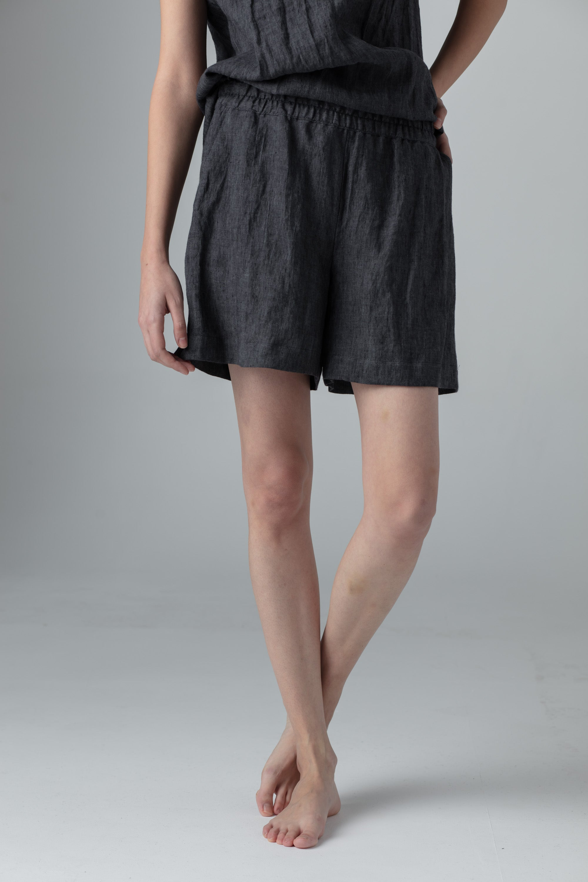 SHORTS dark grey