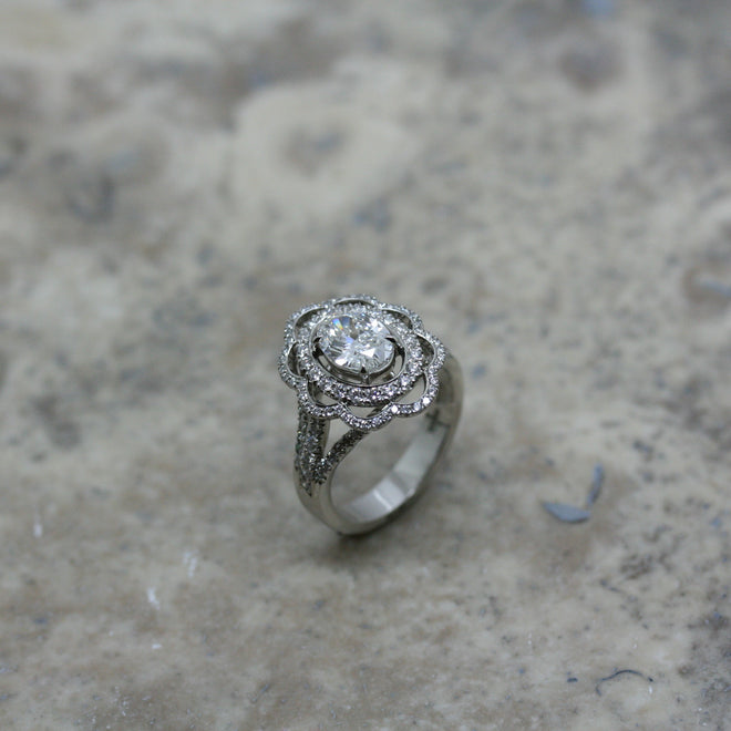 SOLEY Platinum & Diamond 'Scallop' ring