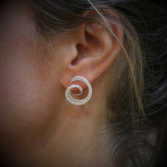 TERI HOWES Silver Hand Crocheted 'DNA' Ear Studs