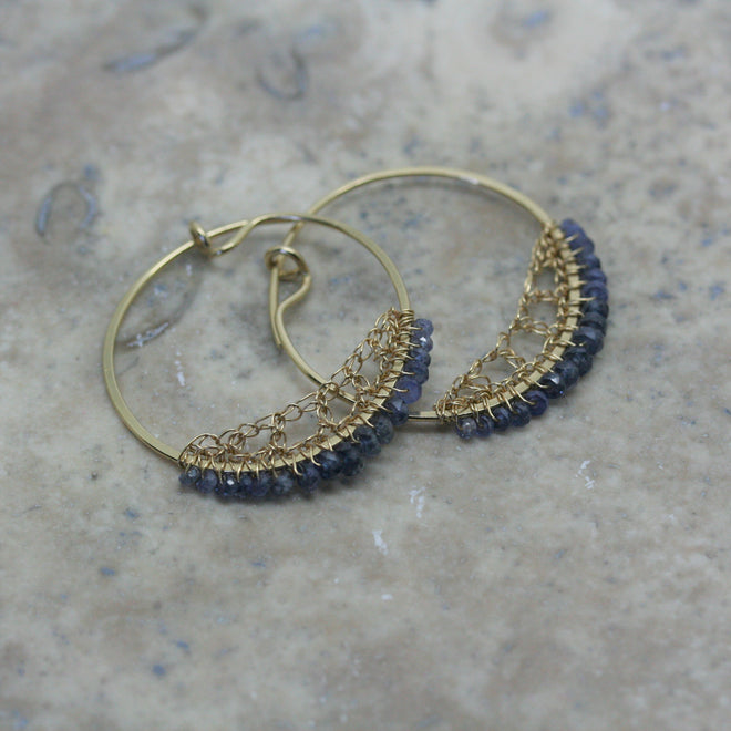 TERI HOWES 18ct Yellow Gold & Sapphire Bead Crocheted Hoops