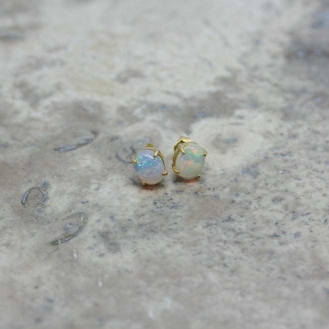 REI 18ct Yellow Gold & Opal Cabochon Stud Earrings