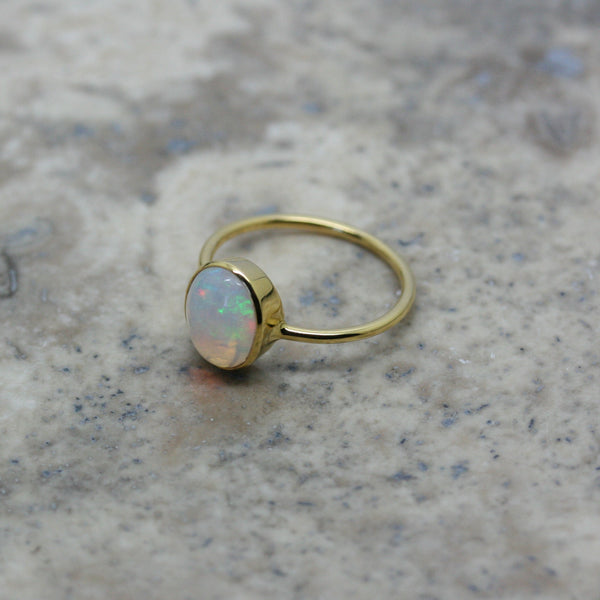 REI 18ct Yellow Gold Opal Cabochon Ring