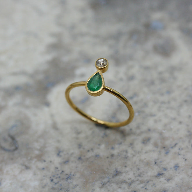 REI 18ct Yellow Gold Emerald & Diamond Ring