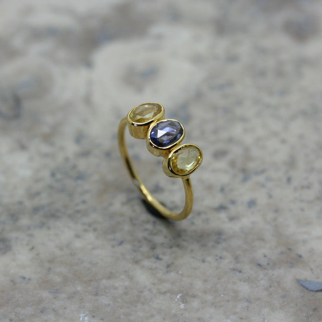 REI 18ct Yellow Gold, Blue & Yellow Sapphire Ring