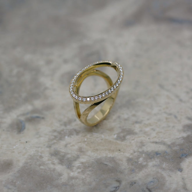 ADAM 18ct Yellow Gold and Diamond 'Outline' Ring