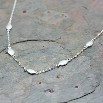 QUINN Silver 'Olive' Section Necklace