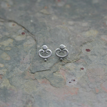 SASHA Small Silver 'Ornate' Ear Studs