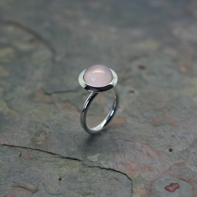 QUINN Silver & Rose Quartz Cabochon Ring