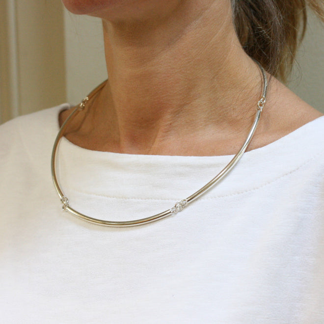 CHARLES ROBERTSON Silver Five Bar 'Torque' Link Necklace