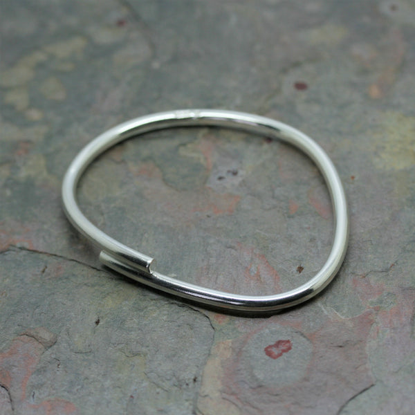 CHARLES ROBERTSON 'Freeform' Bangle