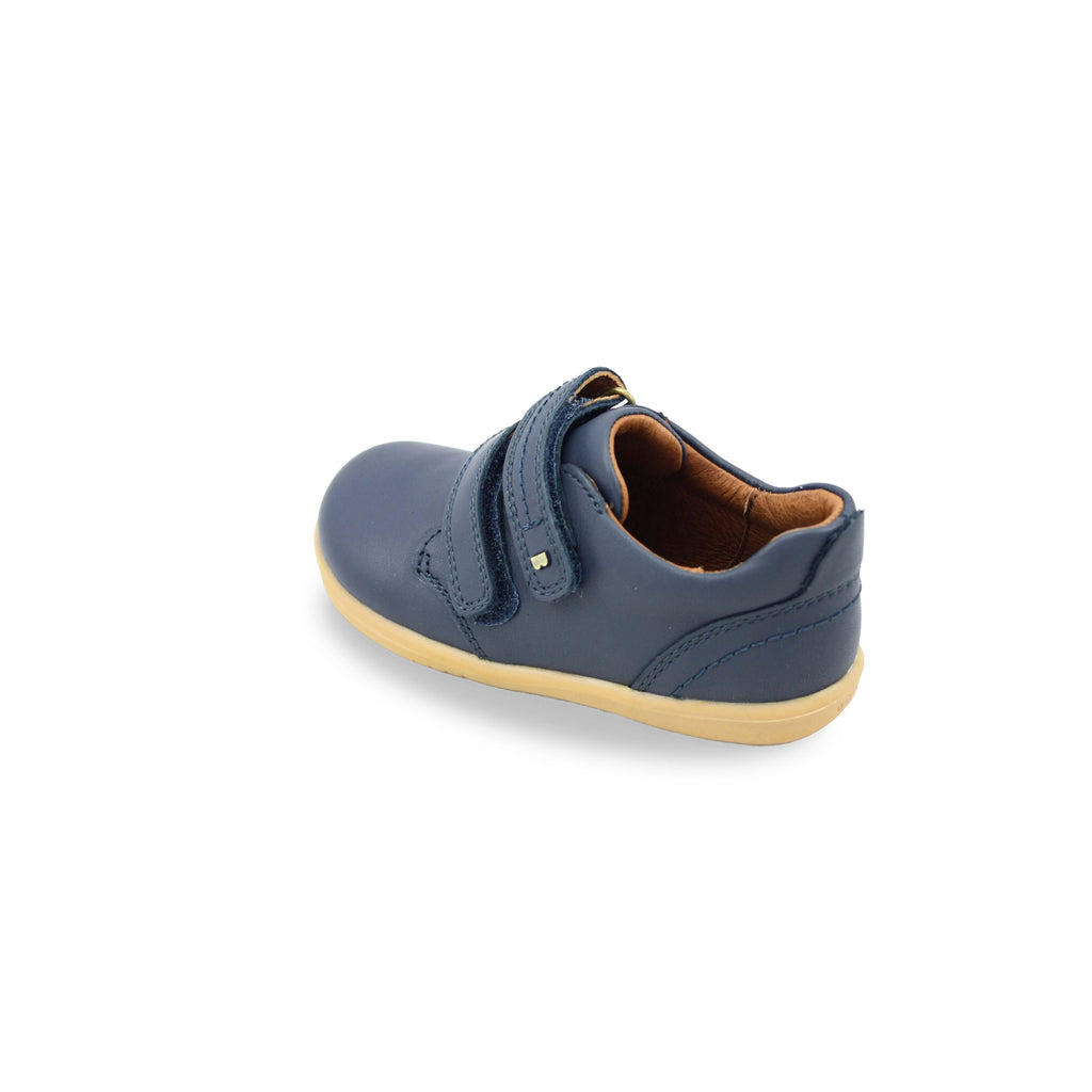 Heel of Bobux I Walk Port Navy Blue Shoe. Cooshoo kids shoes.