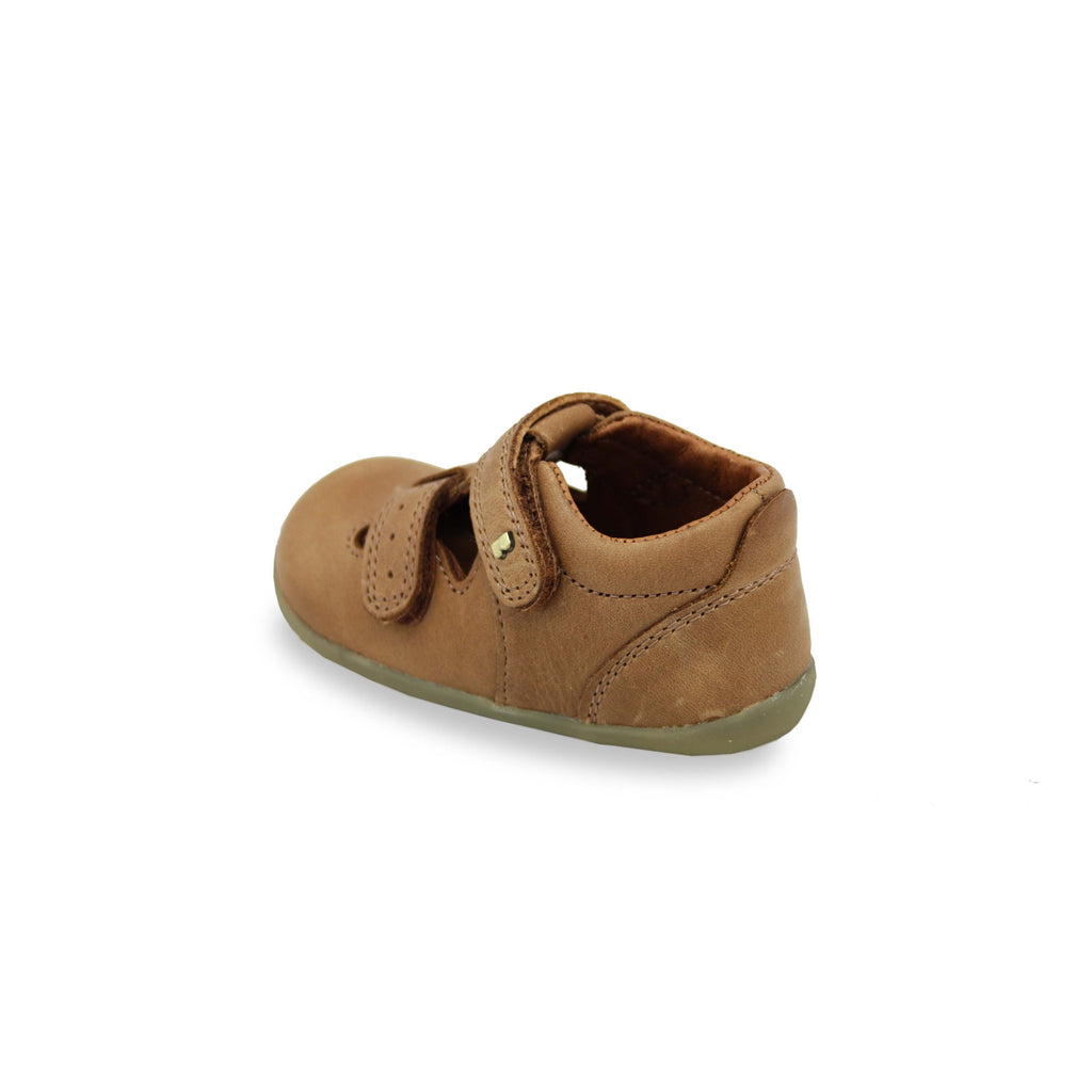 Heel of Bobux Step Up Jack and Jill Caramel Shoes. Cooshoo kids shoes.