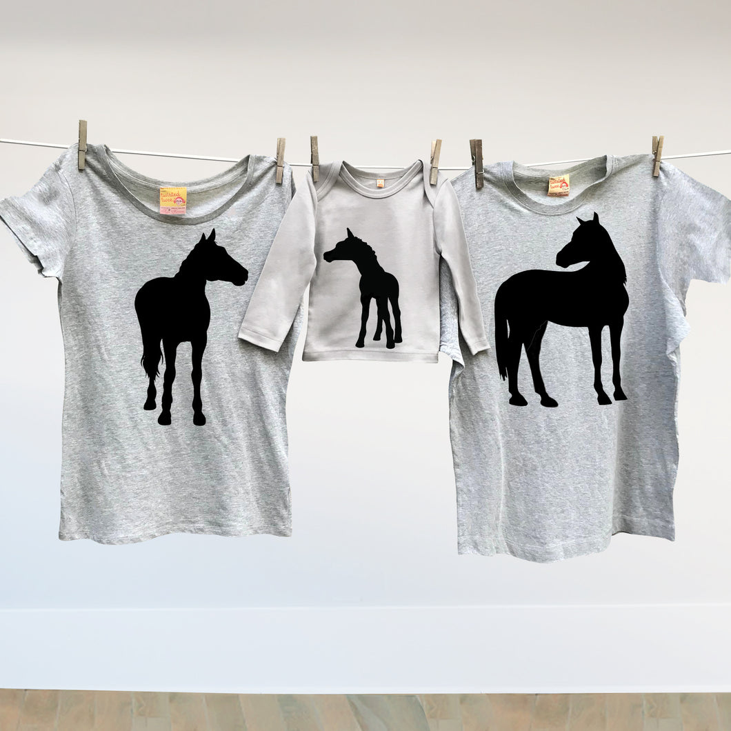 Matching family horse t shirt set for mum, dad and baby foal