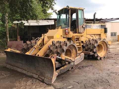 2000 Caterpillar 815F Compactor For Sale