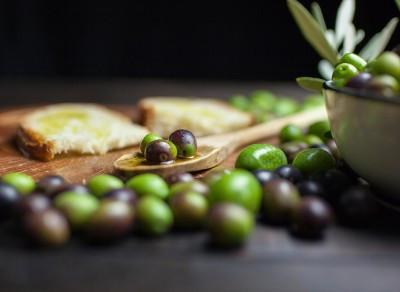 Live Life the Mediterranean Way – Happy, Healthy & Full of Olive Oil