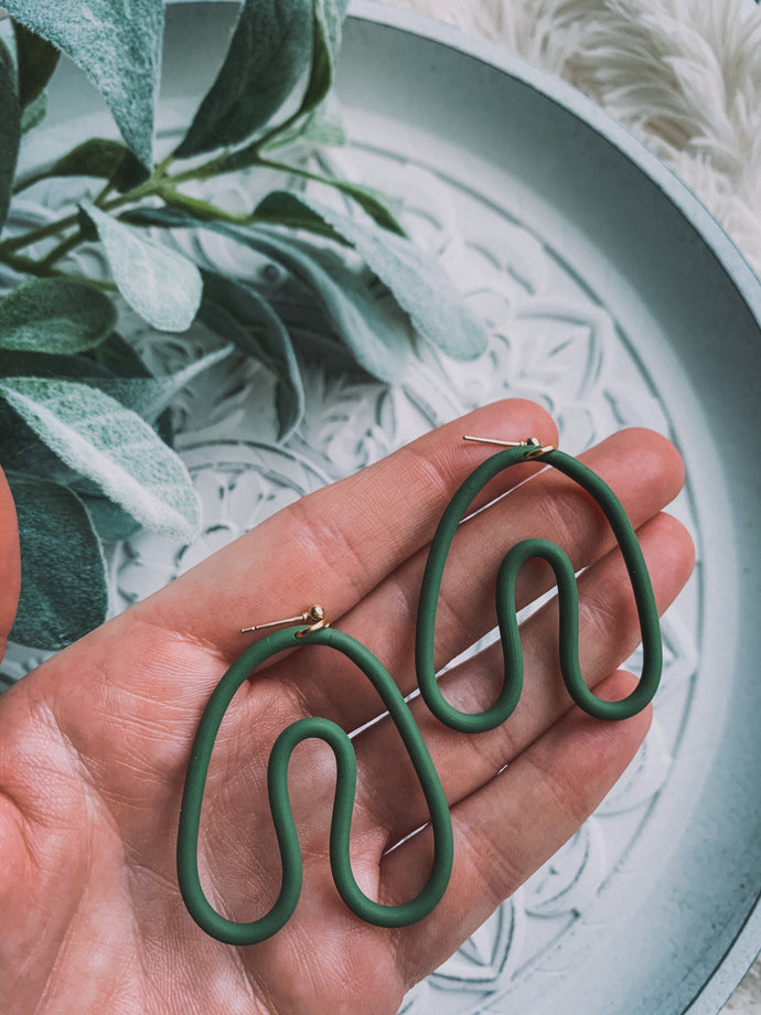 Arch Outline Dangle Earrings // Evergreen