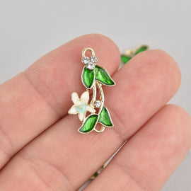 5 ENAMEL FLOWER LILY Charms, Sky Blue Center, Gold Tone Metal Rhinestone Pendants . che0505