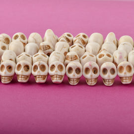 12mm WHITE Howlite Skull Beads, Drilled Sideways, full strand, about 40 beads, how0670