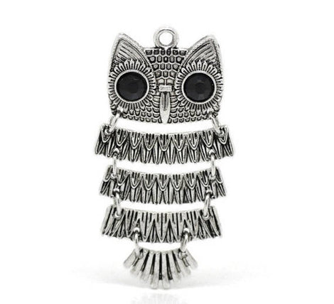 1 Large Moveable OWL Pendant . silver tone metal. chs0721