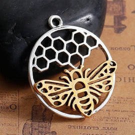 5 QUEEN BEE Circle Honeycomb Charm Pendants, silver circle shaped base with gold bee, 29x25mm, chs2713