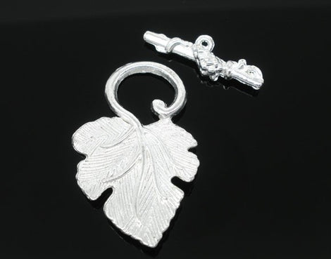 Bright Silver Fancy Toggle Clasps . Grape Leaves . 5 sets  fcl0059