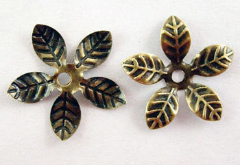 Small Bendable FLOWER BEAD CAPS . 100 pc . Gold Brass. Tibetan Silver Style Filigree . fin0092